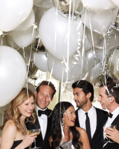 New-Years-Eve-Party-Decorations-with-Balloons